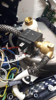 Stacja pary - Philips GC9630/20 - nie podaje pary, nie reaguje na przycisk