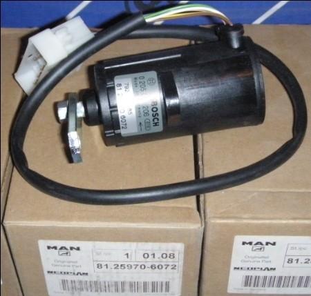 MAN D0836 - Pod��czenie peda�u gazu i nastawnika pompy wtryskowej.