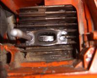 Husqvarna 55 - wycieka paliwo, zatarty tłok.