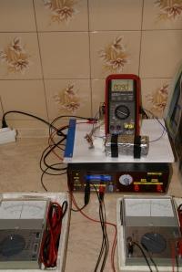 Generator kwarcowy z termostabilizacją