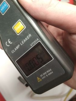 Minitest: UNI-T UT251A, miernik cęgowy do pomiaru małych prądów AC