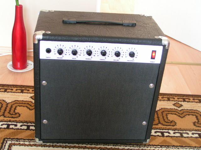 Wzmacniacz gitarowy Atomic16