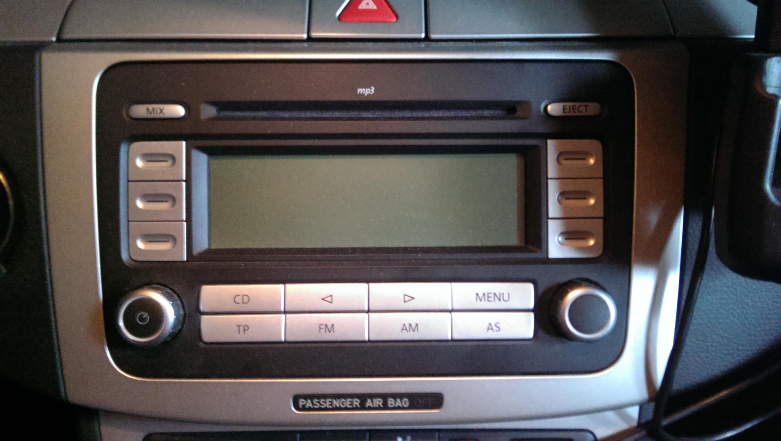 Bardzo dobra Radio mp3 VW Passat B6 nie czyta żadnej płyty - elektroda.pl PL52