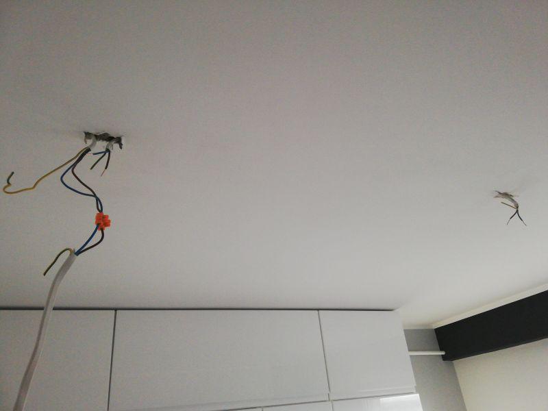 Połączenie dwóch lamp w kuchni