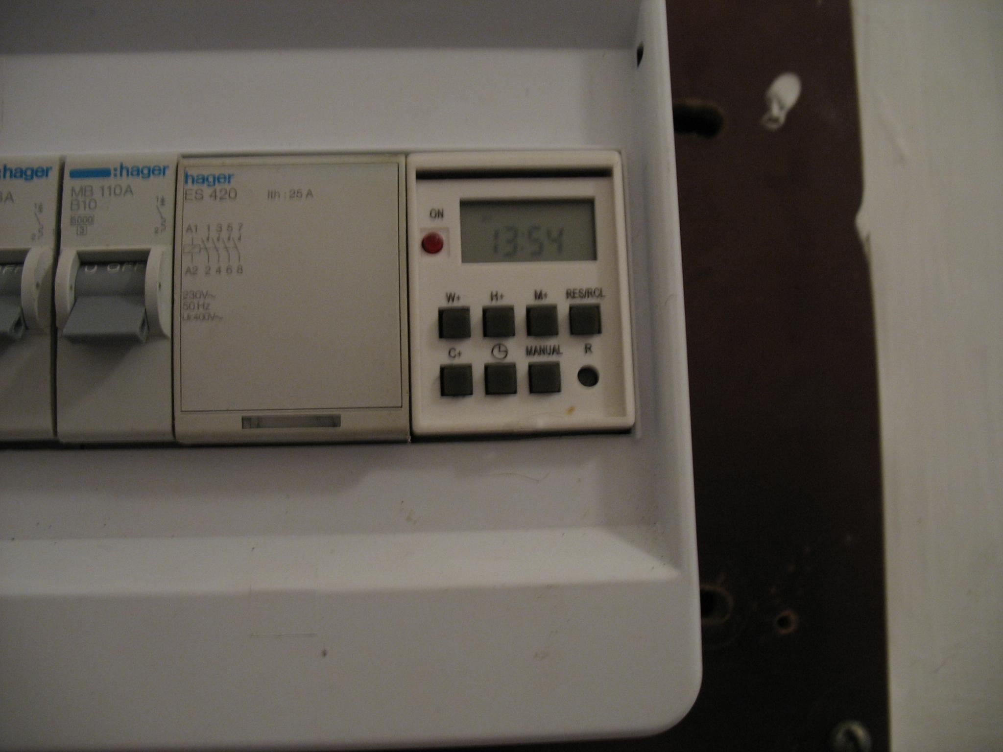 zegar steruj�cy stycznikiem - co to za model