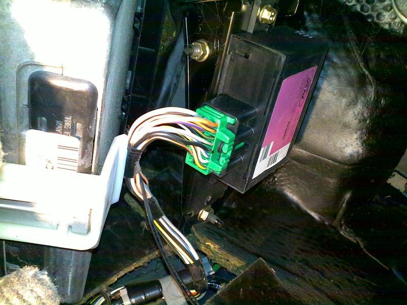 Ford Mondeo MK2 - elektryczne otwieranie klapy