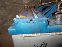 "Akumulator Varta Blue Dynamic - Jak dostac się do ""korków"" (celi) ?"