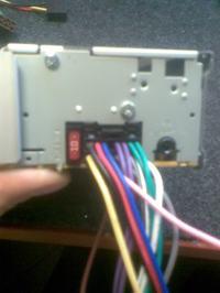 JVC KD-R423 nie włącza się, komunikat na wyświetlaczu
