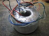 [Sprzedam] Transformator toroidalny wielonapi�ciowy idealny do zasilacza lab