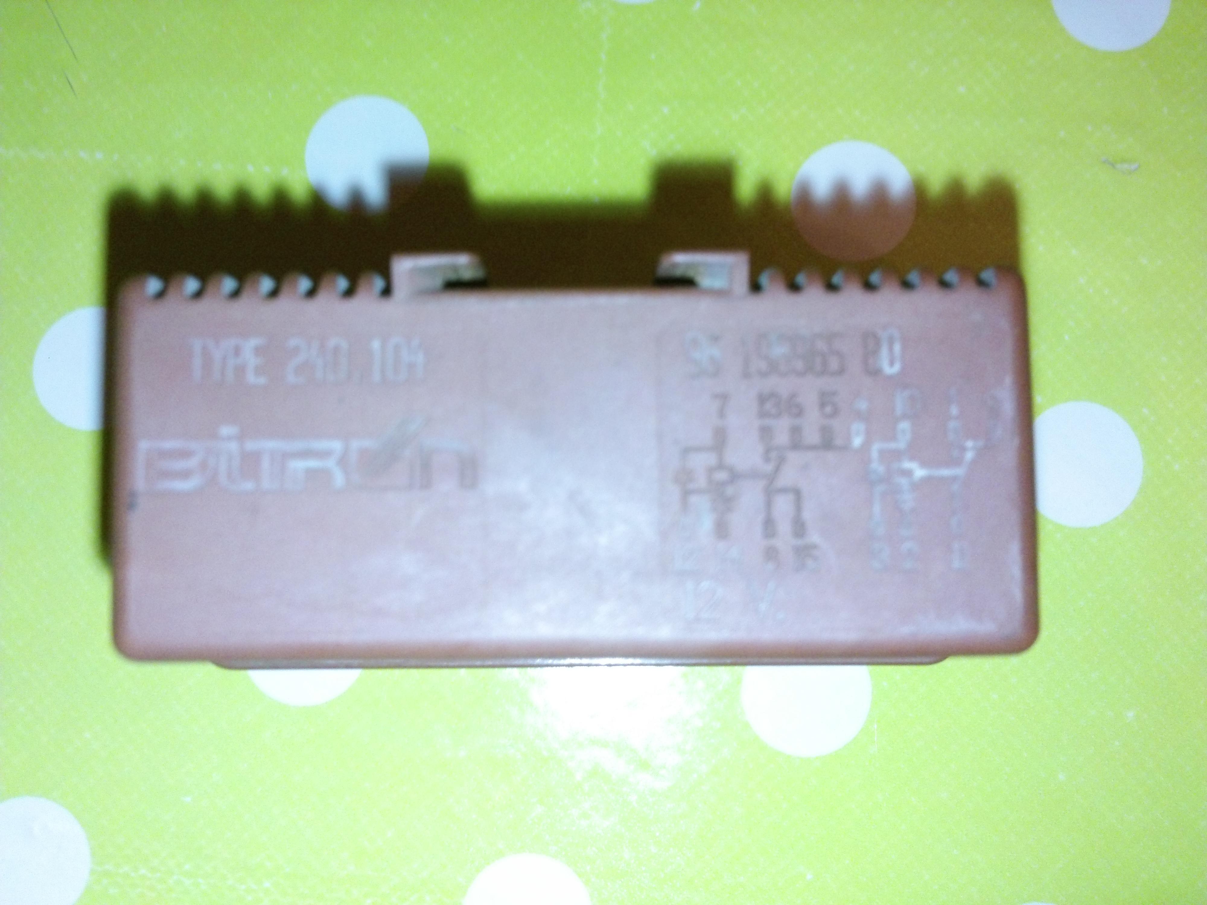 Peugeot 106 II 1.0 '96  -  BITRON 240.104