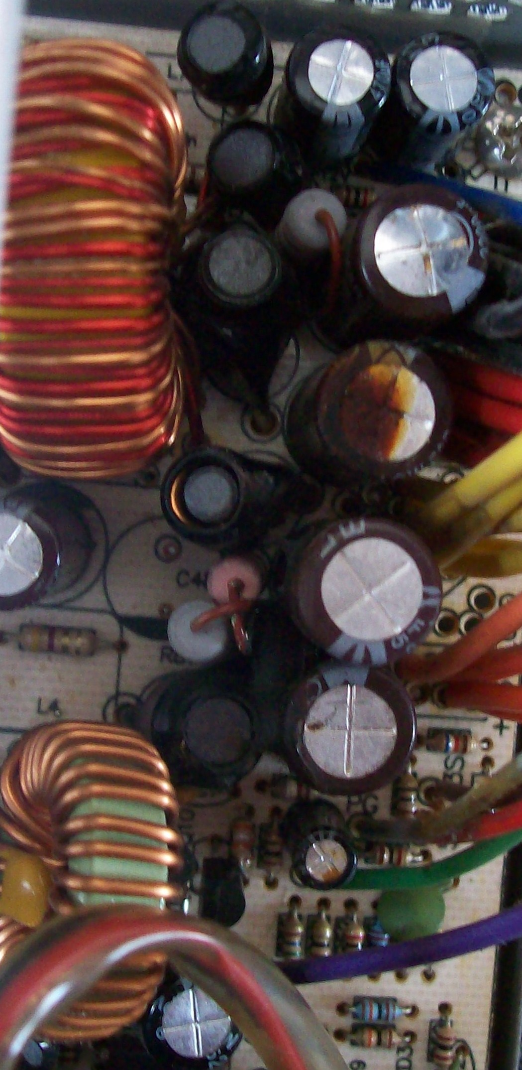 Ocena jako�ci kondensator�w na zasilaczu tracer 4life 400w
