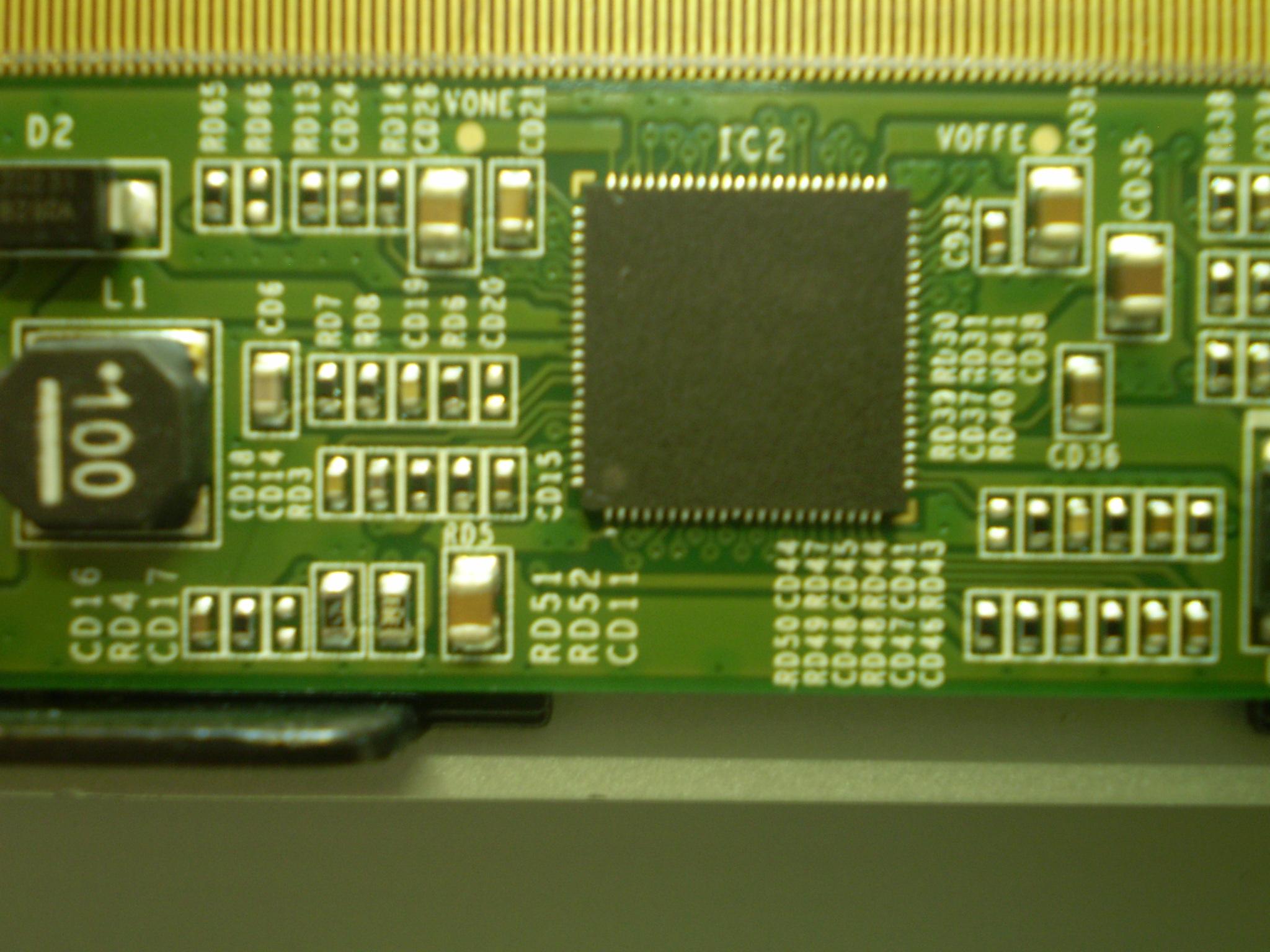 Samsung LE32E420E2W - Brak obrazu,  delikatnie miga, fonia obecna