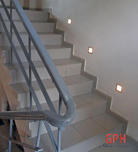 Lampki Na Schodach Cały Czas świecą Elektrodapl