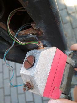 Zwarcie elektrozaczepu w linii unifonu interkomowego Urmet 1131/1