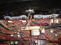 Wzmacniacz GPM 2000A Pali dwa bezpieczniki