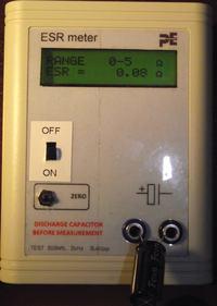 Mikroprocesorowy miernik ESR kondensator�w elektrolitycznych