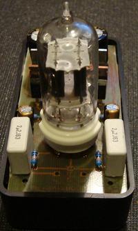 Hybrydowy wzmacniacz s�uchawkowy na ECC82 i IRF510
