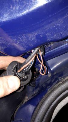 Corsa C 1.2 2002 - Elektryka głupieje po wciśnięciu hamulca bez kluczyka