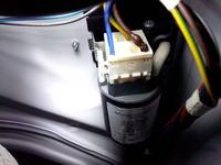 Indesit WIE107 - nadpalona wtyczka od filtra przeciwzakłóceniowego