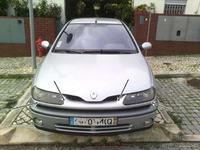 Renault laguna 98 phII - Wymiana reflektorów przednich . Wskzówki.