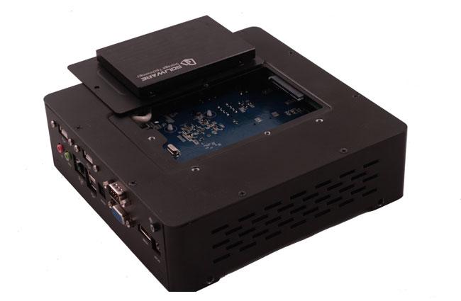 Habey BIS-6630 - bezg�o�ny, kompaktowy komputer przemys�owy z Cedar Trail