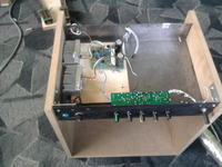 Gitarowy wzmacniacz tranzystorowy 60W. Szumiące potencjometry gain i wys. tony.