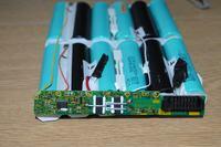 Zasilacz do akumulatorów 3,7V x3
