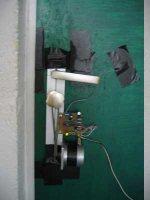 Otwieranie drzwi pukaniem