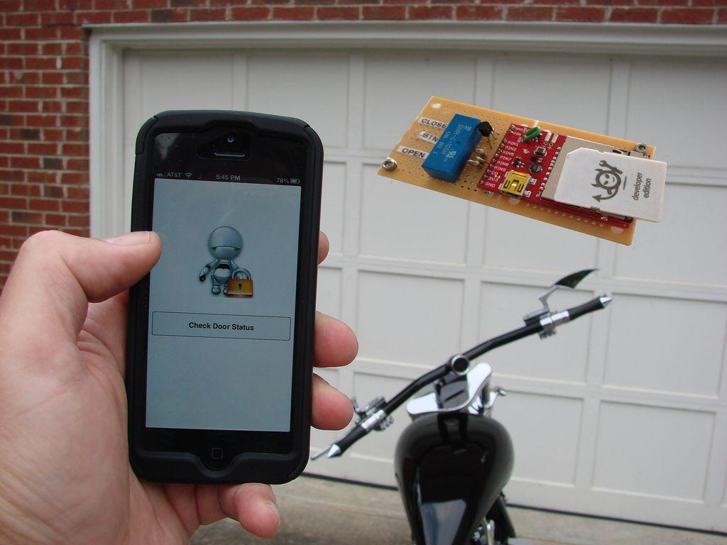Mechanizm Sterowania Bramą Garażową Oparty Na Electric Imp