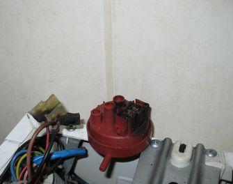 Whirpool AWG 874, przepalone os�ony konektorowe przy hydrostacie