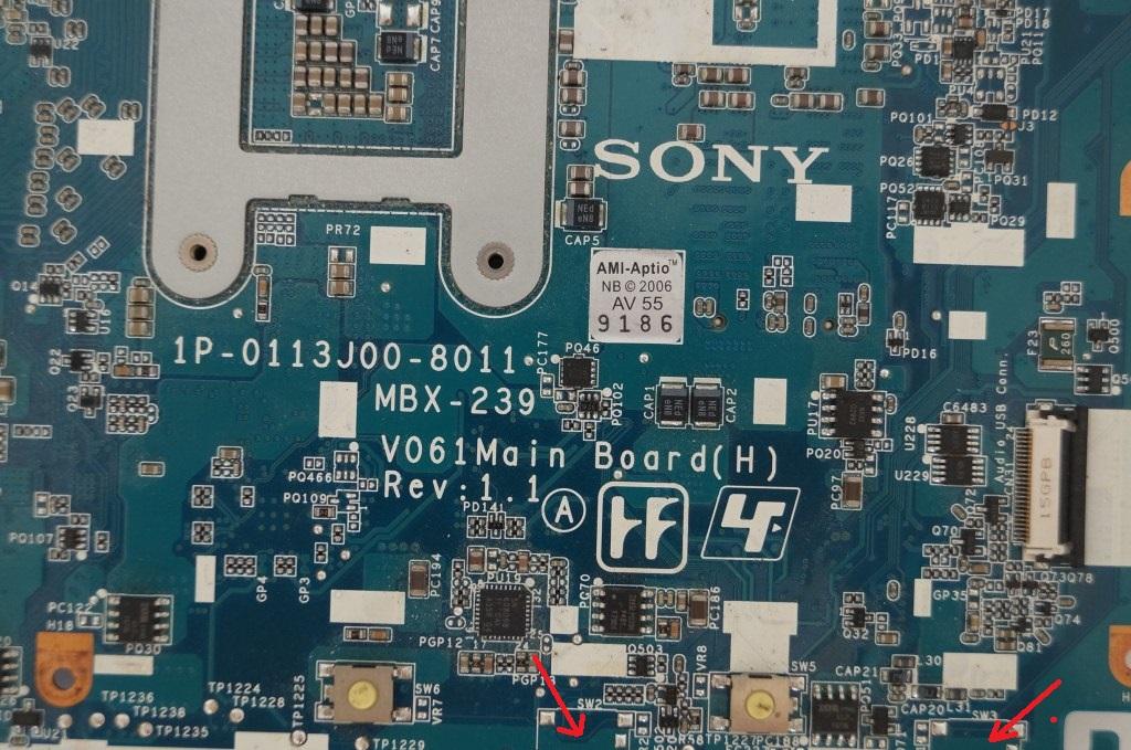 P�yta g�owna Sony - MBX-239 - przylutowanie przycisk�w touchpada