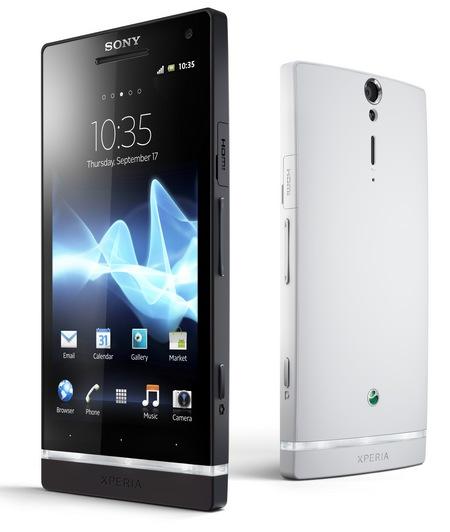 """Sony Ericsson Xperia S - smartphone z 4,3"""" ekranem HD i aparatem 12 MPix"""