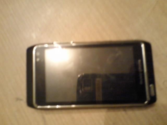 BlueBo H8 (pad� wy�wietlacz dotyk) a Nokia N8
