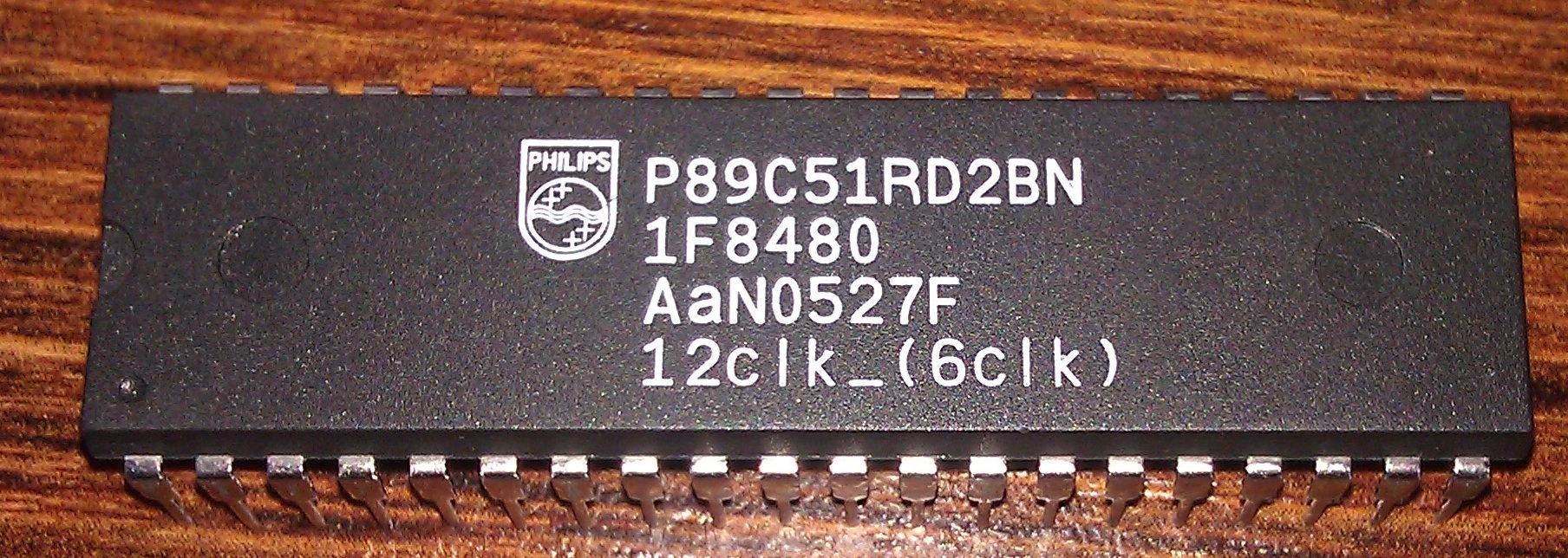 [Zlec�] Zaprogramowanie P89c51rd2bn oraz M27c512
