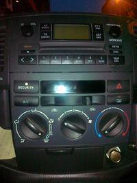 Toyota Corolla Verso 1.6 2003 - Demonta� panelu przedniego / zapalniczki