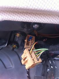 Audi a3 8P - Tajemnicza wtyczka w baga�niku?