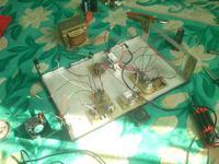 Tranzystorowy wzmacniacz audio z zabezpieczeniami.