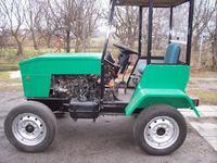 Traktorek z silnikiem Forda