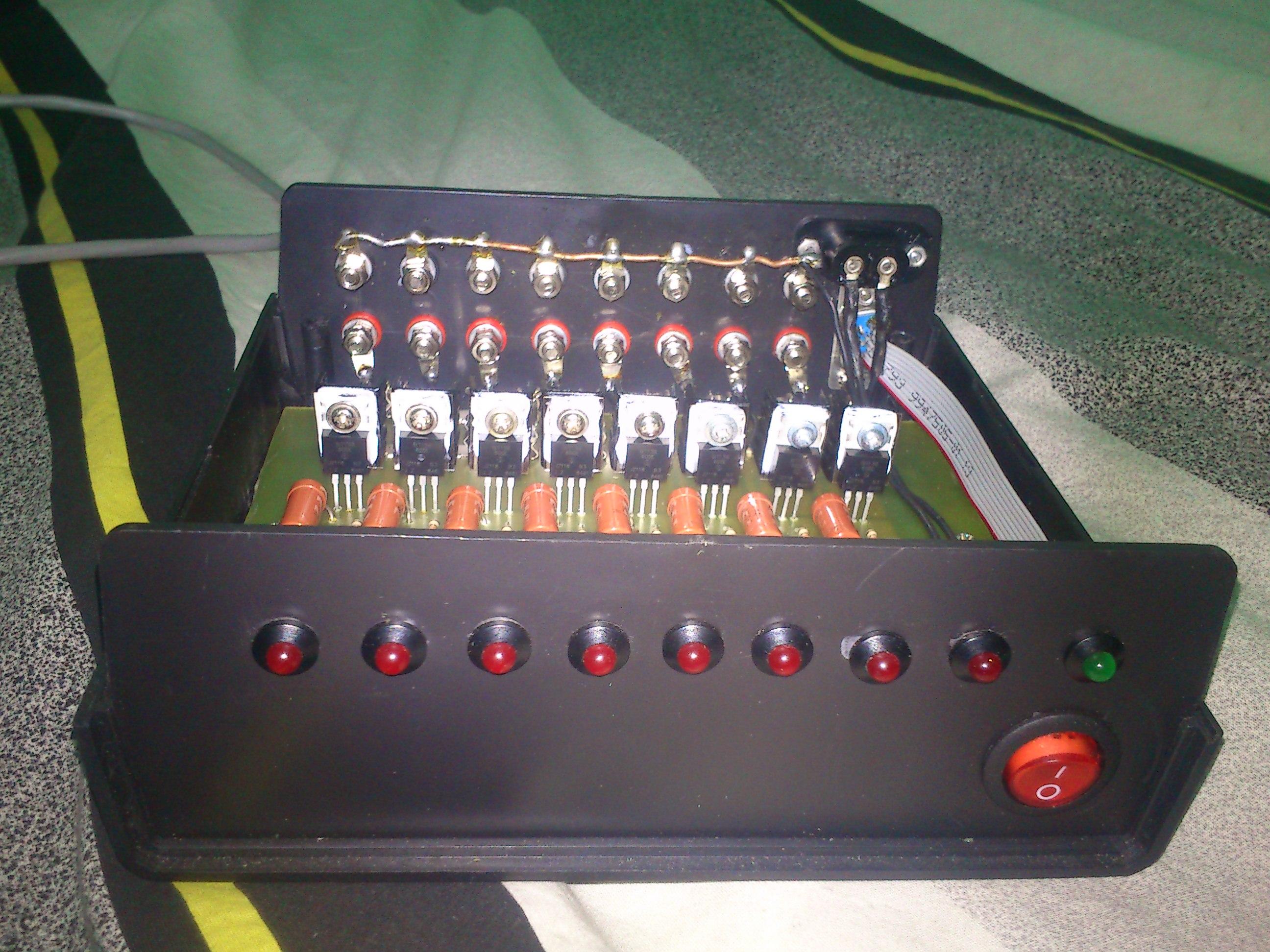 [Sprzedam] Discolitez 8*230V + kable