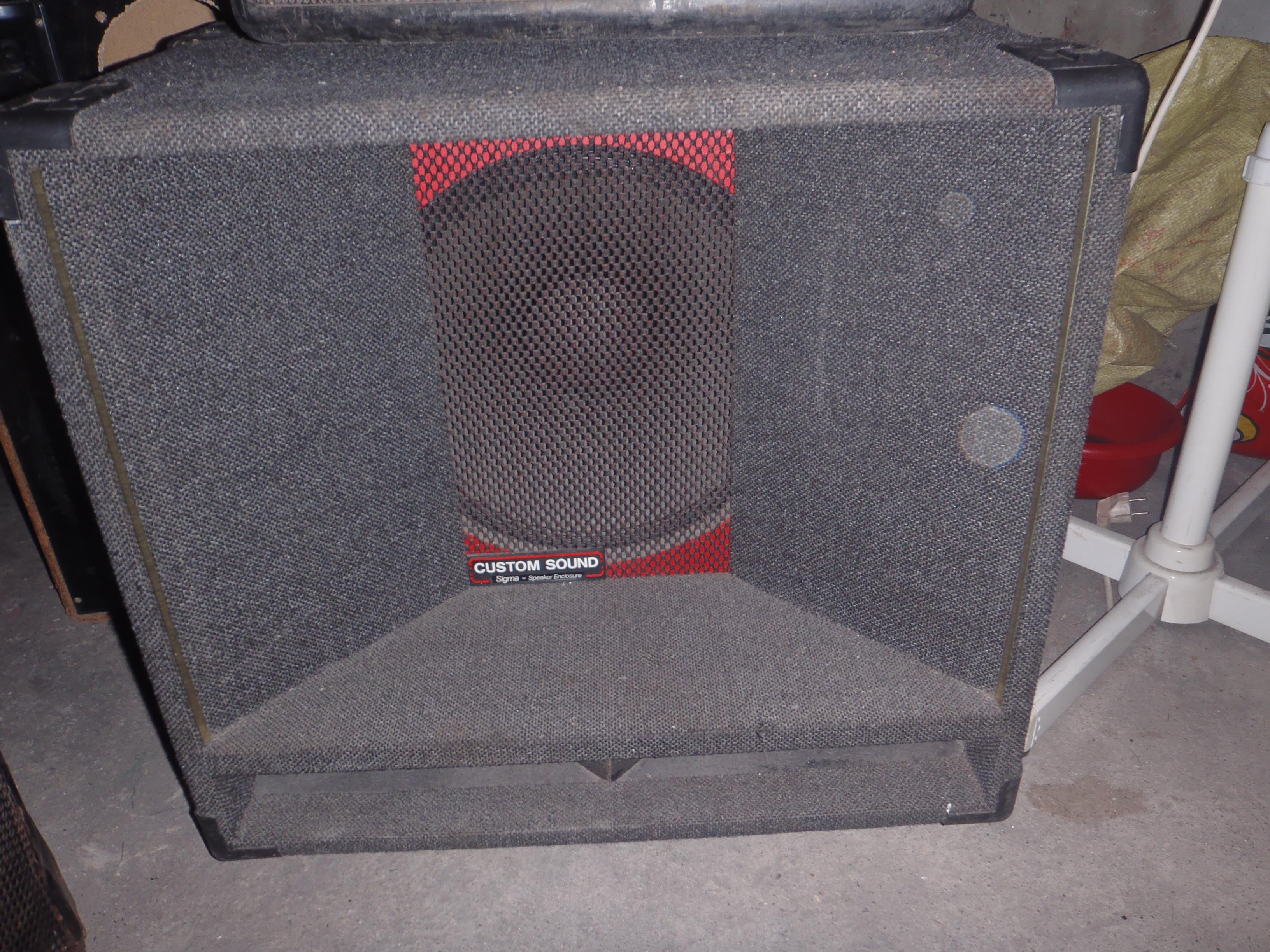 [Sprzedam] Kolumn� basow� brytyjskiej firmy Custom Sound 15cali/200w-8ohm