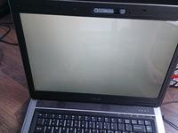 Laptop asus F3S bia�y ekran.