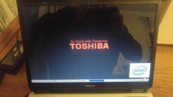 Toshiba Satellite A100 153 - Podświetlenie matrycy po 3 sekundach gaśnie.