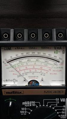 Współczesny miernik analogowy Voltcraft VC-5080