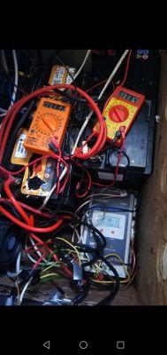 sposób połączenia regulatora, silne bulgotanie akumulatora przy 30A