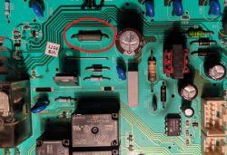 Electrolux EW1220N - Pralka zawiesza wykonanie programu zaraz po starcie.