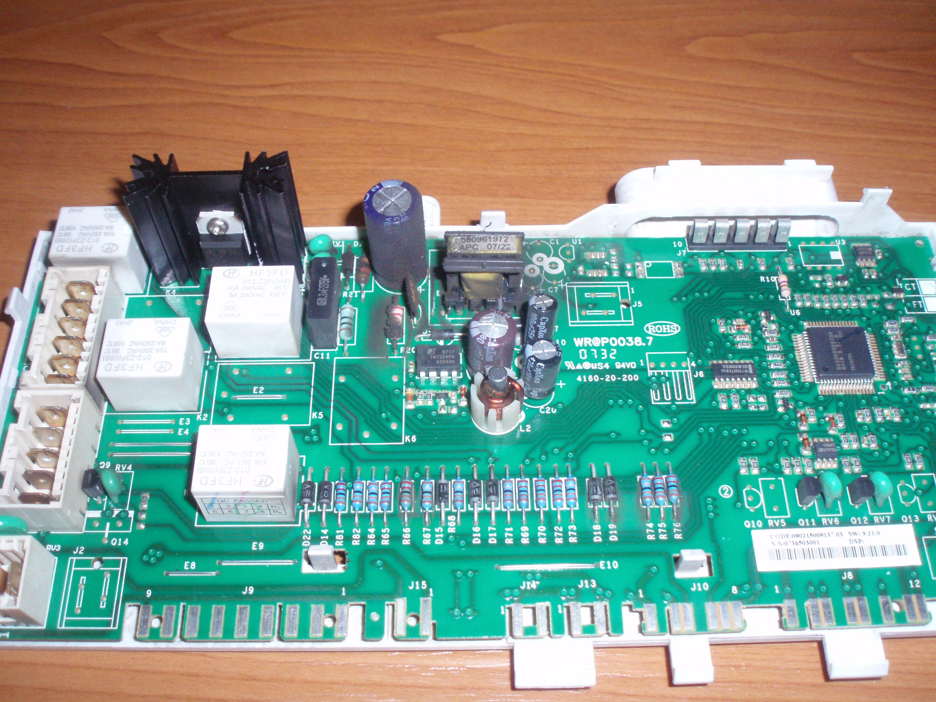 Indesit WITL90EU - zaczynaj� miga� wszystkie diody i nie reaguje na nic.