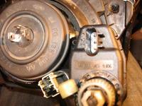 Ford FIESTA - MK3 - regulacja świateł silniczkami.