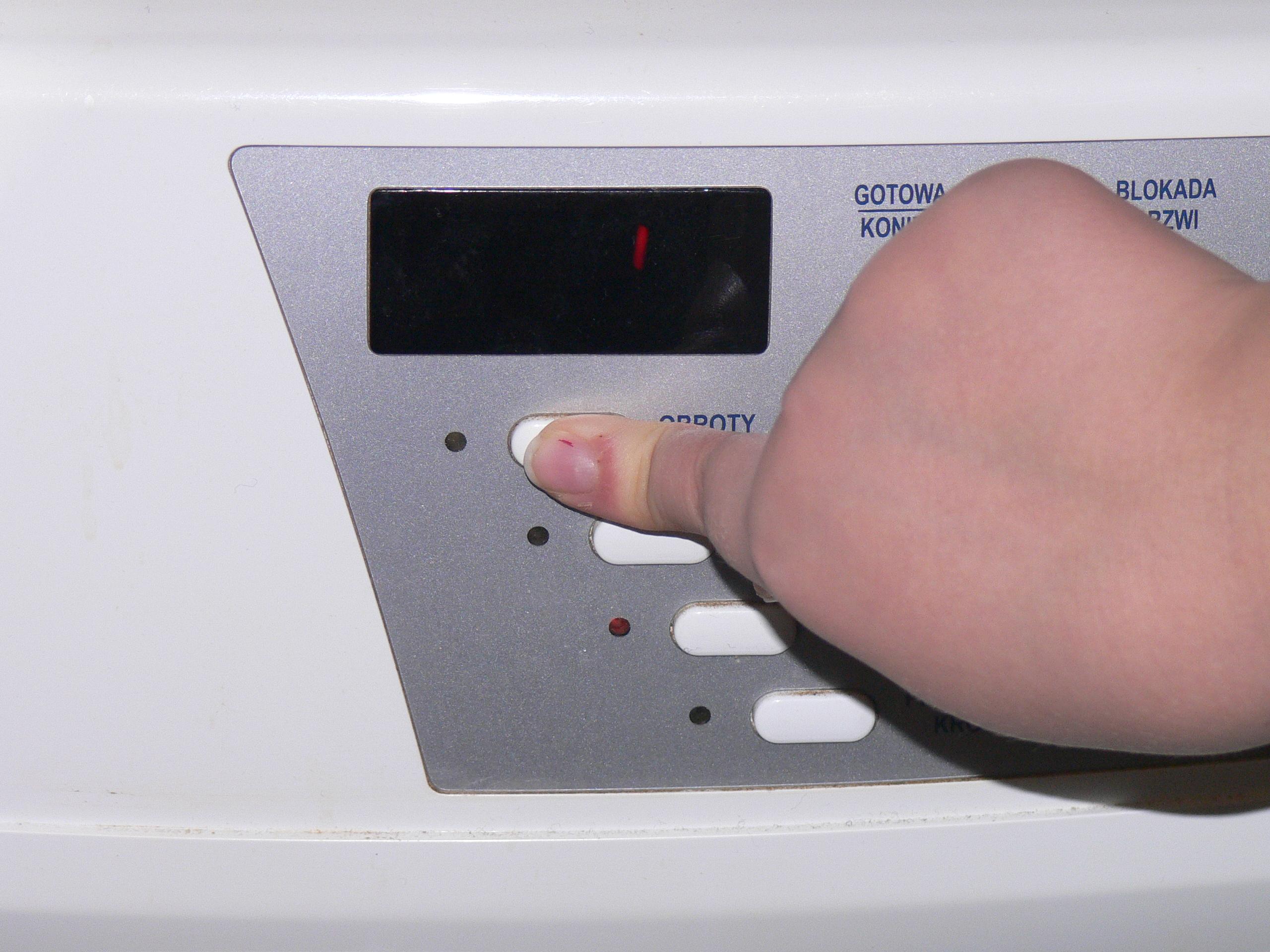Amica PC5580B425-pralka nie dzia�a ,zgas� wy�wietlacz