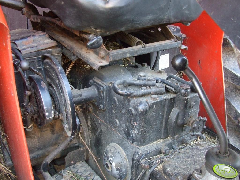 Ursus c-335 - Wyjscie hydrauliczne