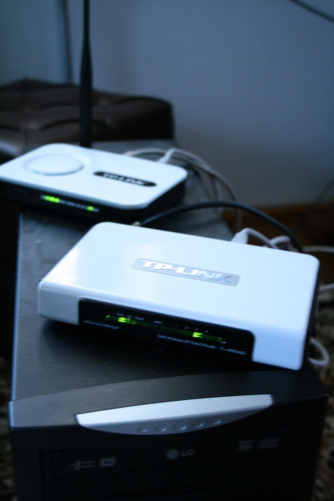 Zanikaj�cy sygna� wi-fi, kiepska antena? Tp Link....